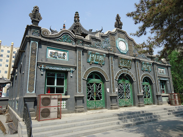 Loading... Great_Mosque_of_Hohhot_China.jpg