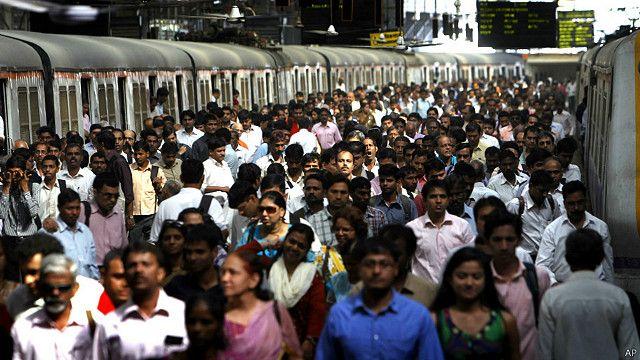 ভারতে মুসলিমদের সংখ্যা বেড়েছে হিন্দুদের কমেছে