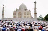 ভারতে তাজমহল চত্বরে জুমার নামাজ বন্ধের দাবি