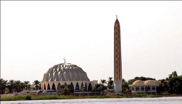 Loading... Al-Nilin_Mosque,_Omdurman_,_Sudan.jpg