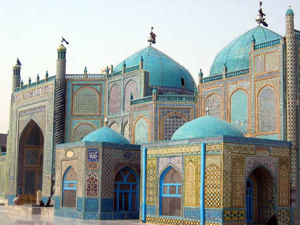 Loading... Shrine_of_Hazrat_Ali_Afghanistan.jpg